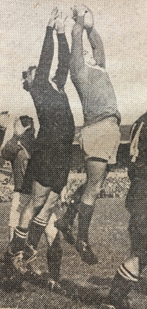 Nevan MacEwan contesting a line-out with Roddy Evans, 1959